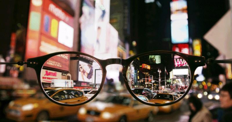 cinemagraphs-droles-de-lunettes-pour-decouvrir-new-york-800x